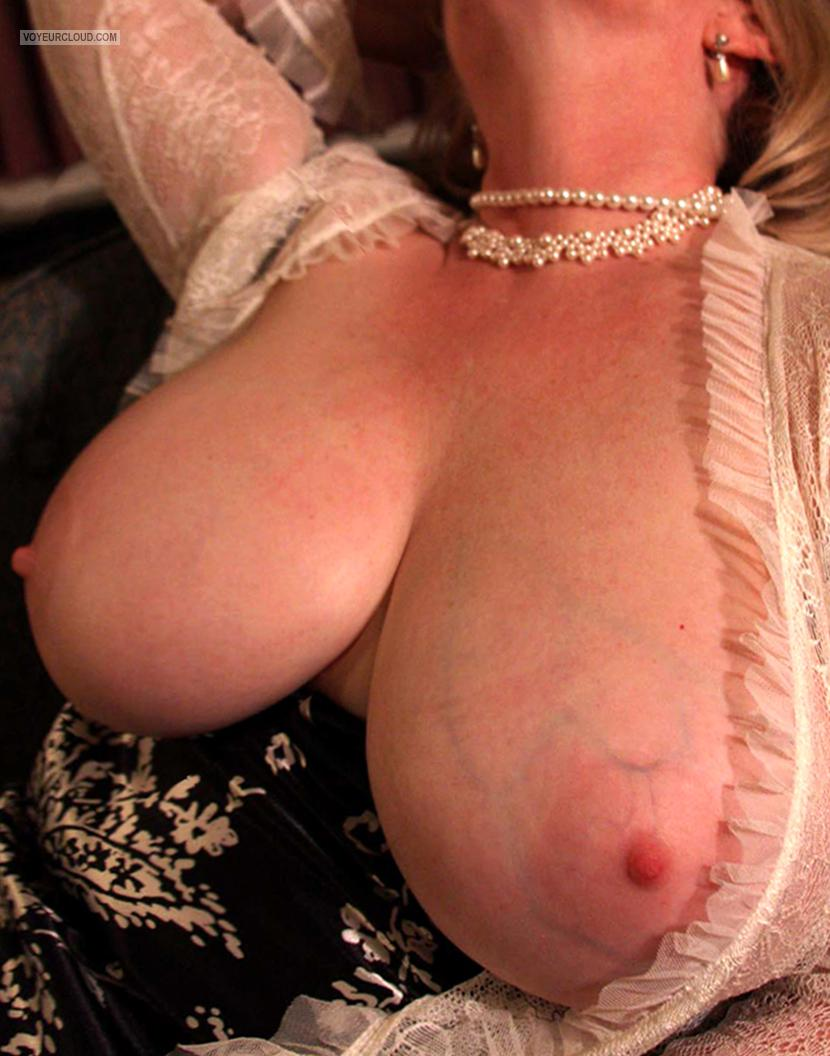 Tit Flash: My Big Tits - SHARON from United States
